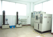 Tensile testing machine/High and low temperature experiment box